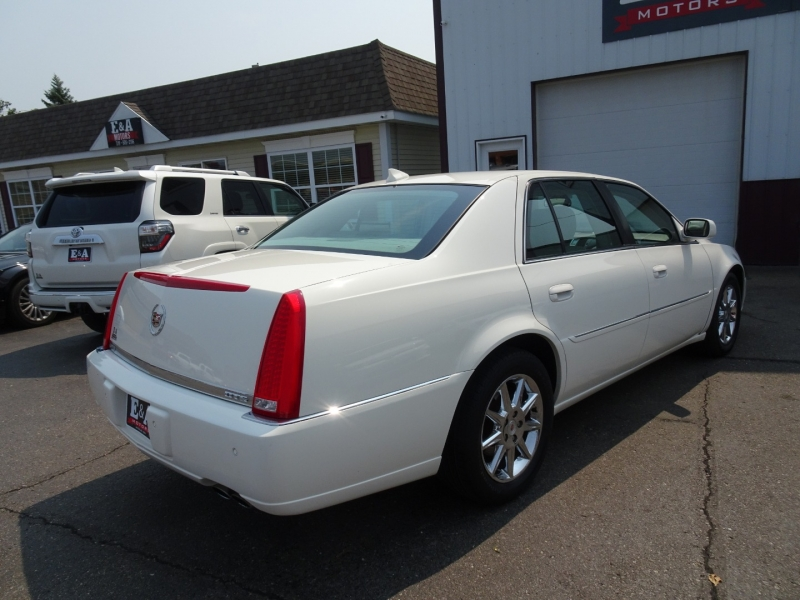 Cadillac DTS 2011 price $7,995