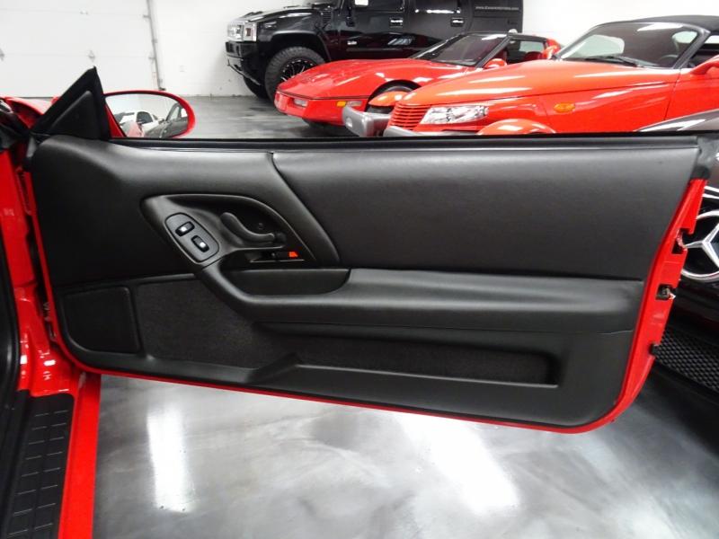 Chevrolet Camaro 2002 price $22,995