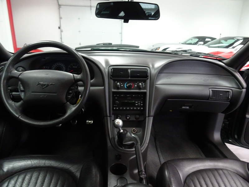 Ford Mustang 2001 price $15,995