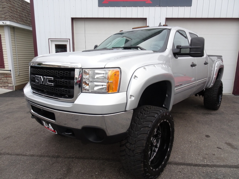 GMC Sierra 2500HD 2011 price $39,995