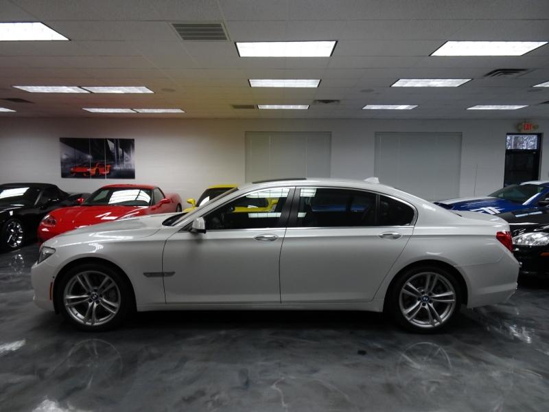 BMW 7-Series 2010 price $62,995