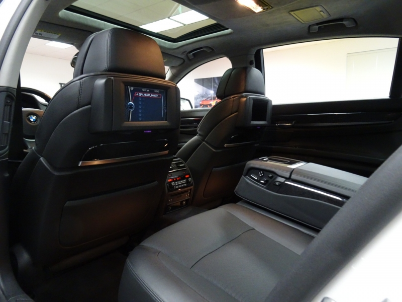 BMW 7-Series 2010 price $62,995