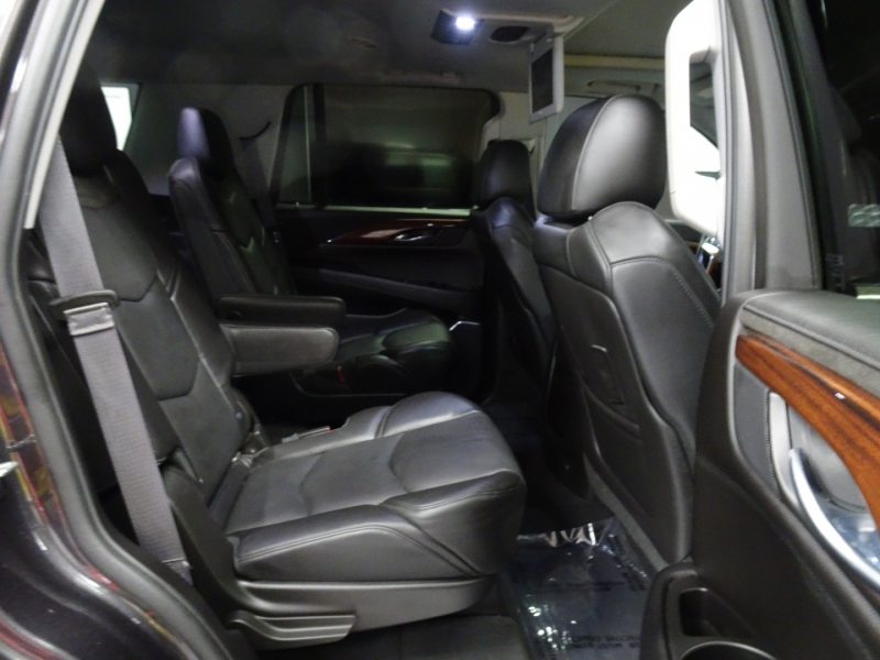 Cadillac Escalade 2015 price $33,995