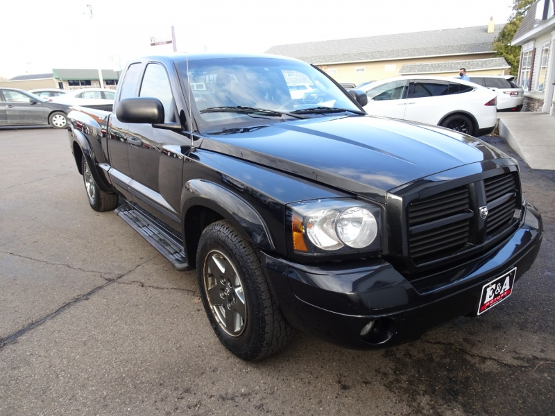 Dodge Dakota 2006 price $4,995