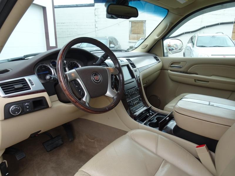 Cadillac Escalade ESV 2009 price $8,995