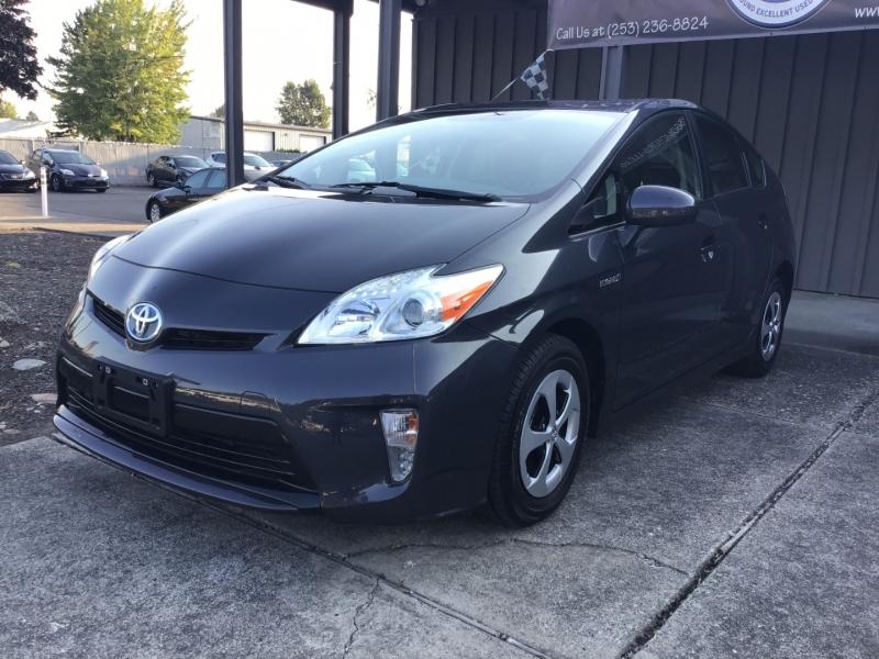 Toyota Prius 2013 price $8,999