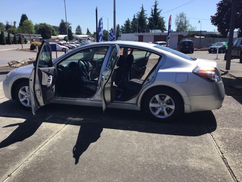 Nissan Altima 2009 price $6,799