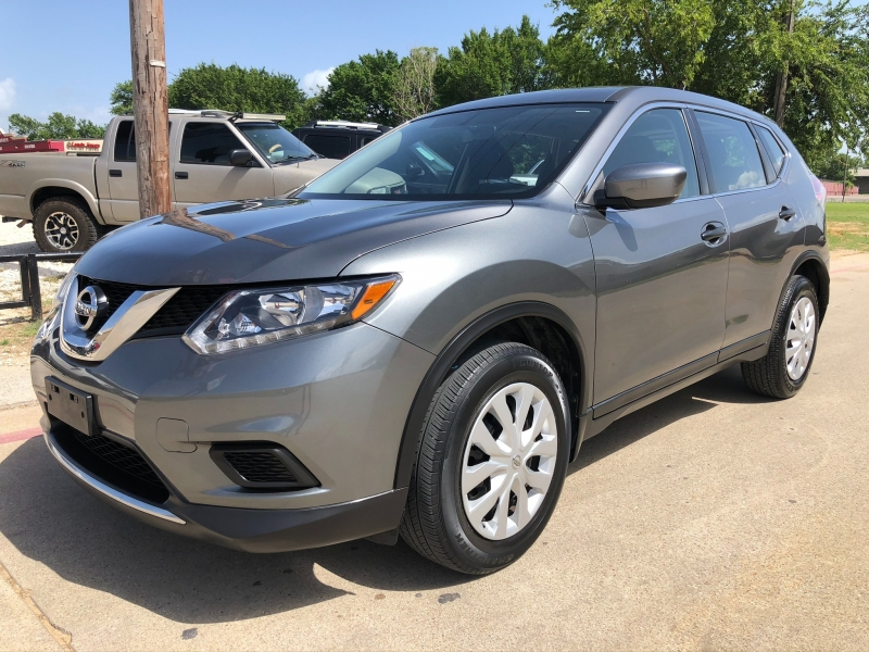 Nissan Rogue 2016 price $14,995