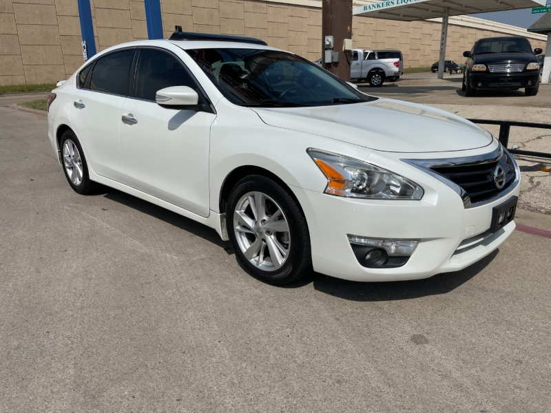 Nissan Altima 2015 price $16,995