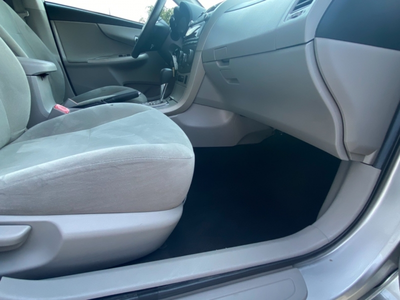 Toyota Corolla 2011 price $11,995