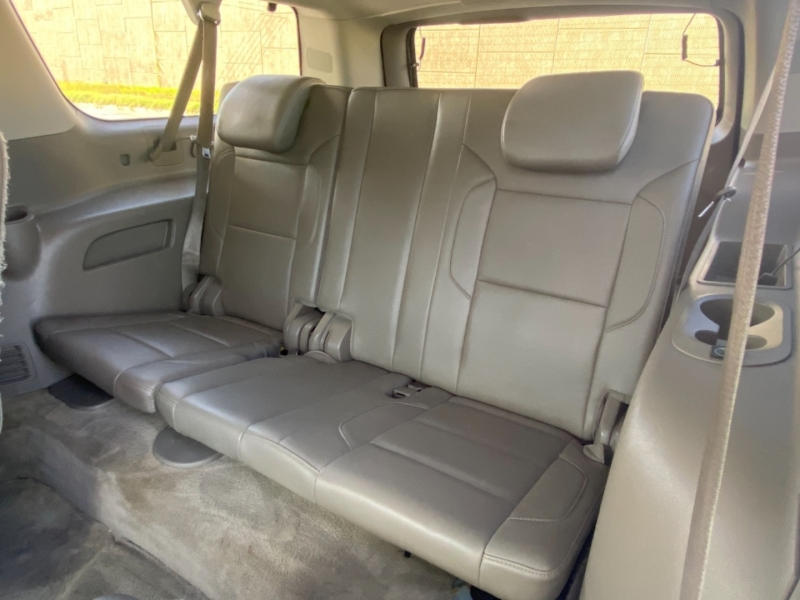Chevrolet Suburban 2015 price $31,995