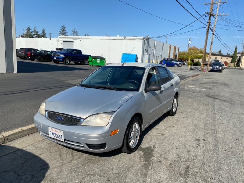 Ford Focus 2005 price $2,950
