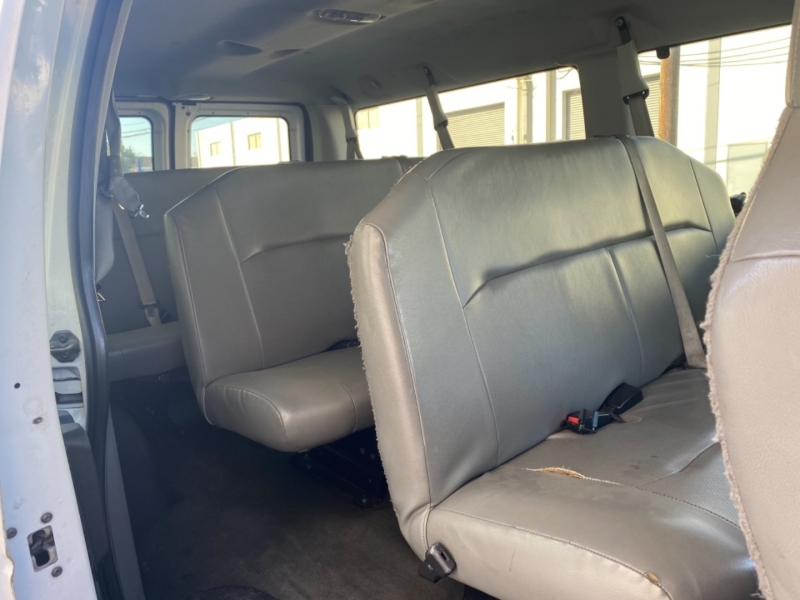 Ford Econoline Wagon 2013 price $8,950