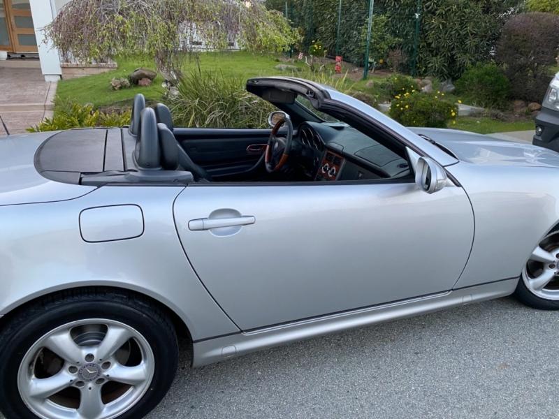 Mercedes-Benz SLK-Class 2004 price $11,950