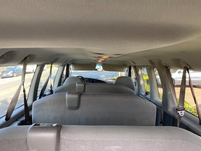Ford Econoline Wagon 2007 price $11,950