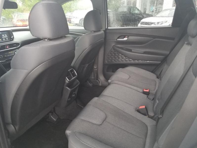 Hyundai Santa Fe 2019 price $27,995