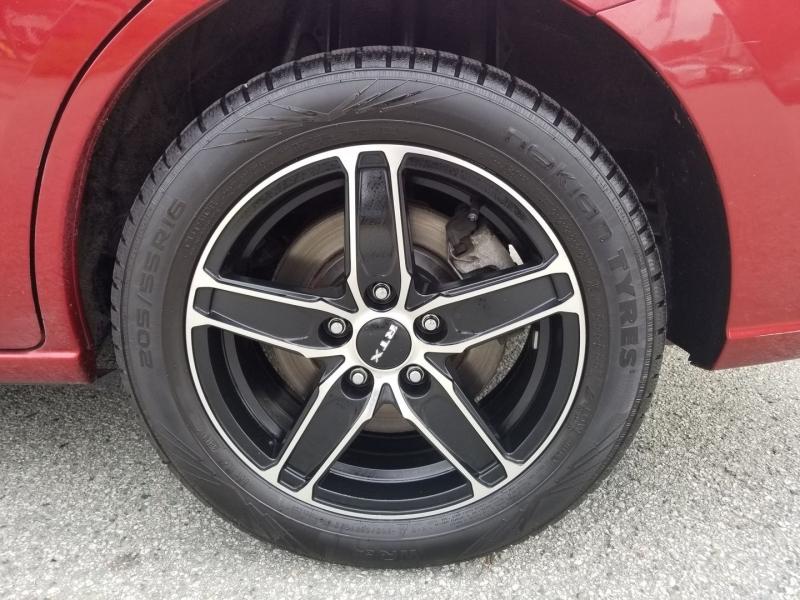 Mazda 5 2014 price $10,880