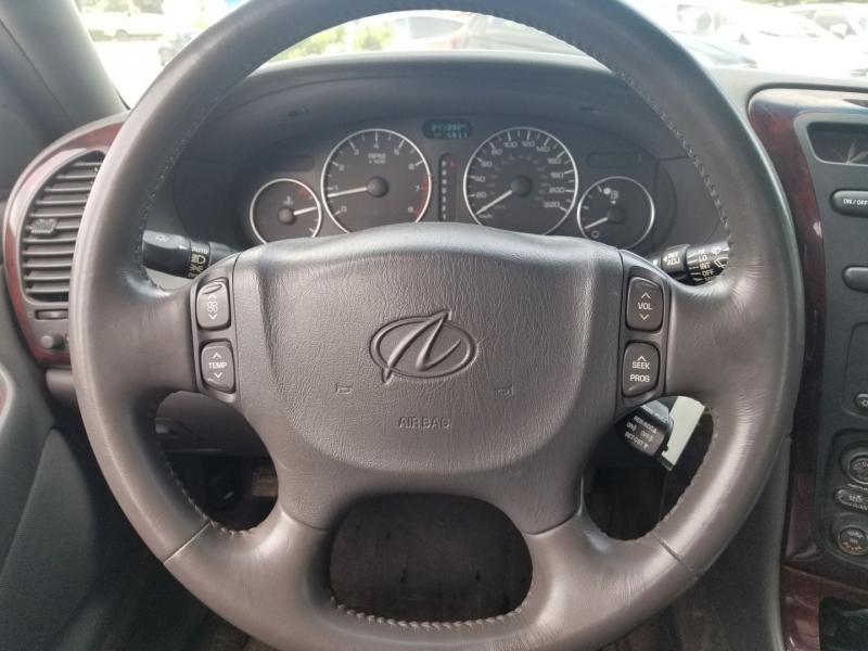 Oldsmobile Aurora 2003 price $2,888