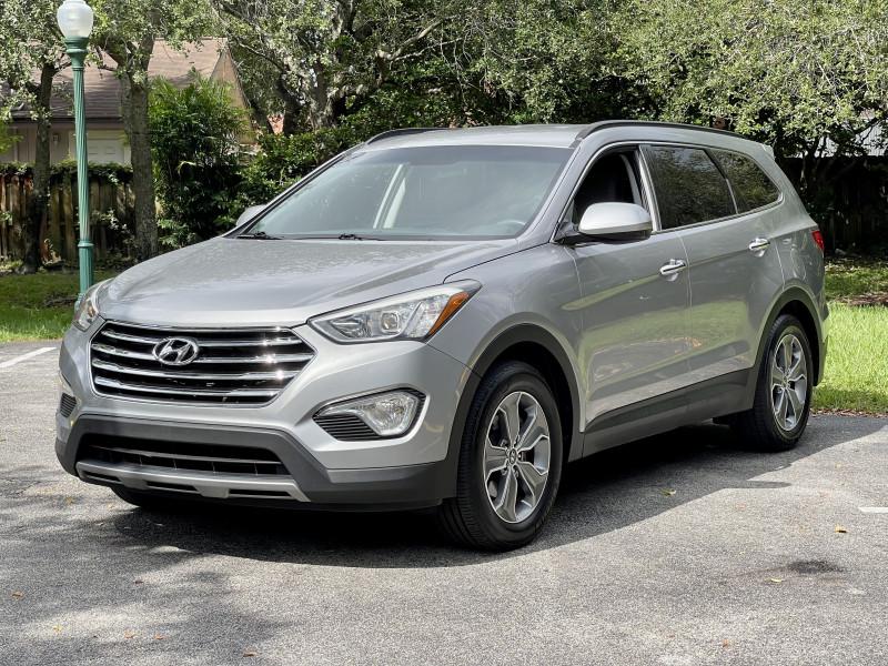 Hyundai Santa Fe 2016 price $18,995