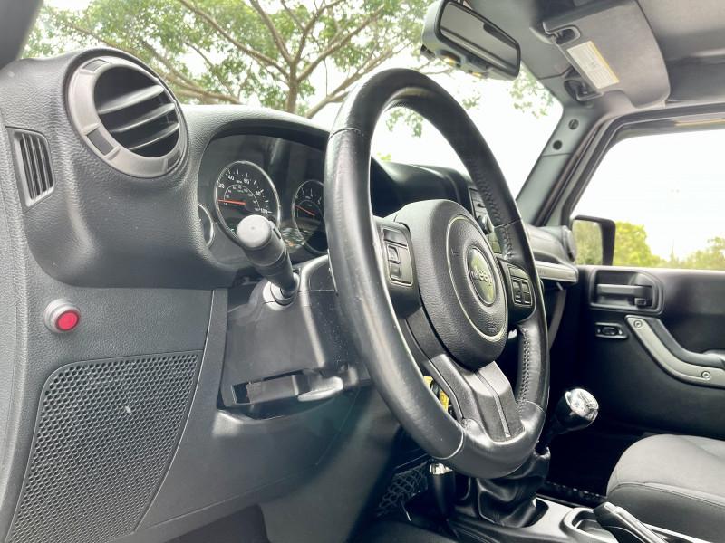 Jeep Wrangler Unlimited 2015 price $24,995