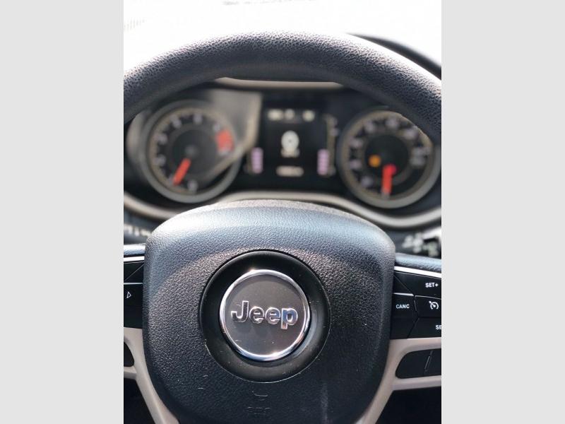 Jeep Cherokee 2017 price $3,500 Down