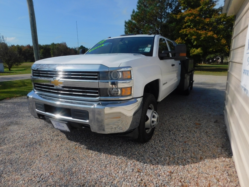 Chevrolet 3500 4X4 Crew Service Body 2015 price $39,900