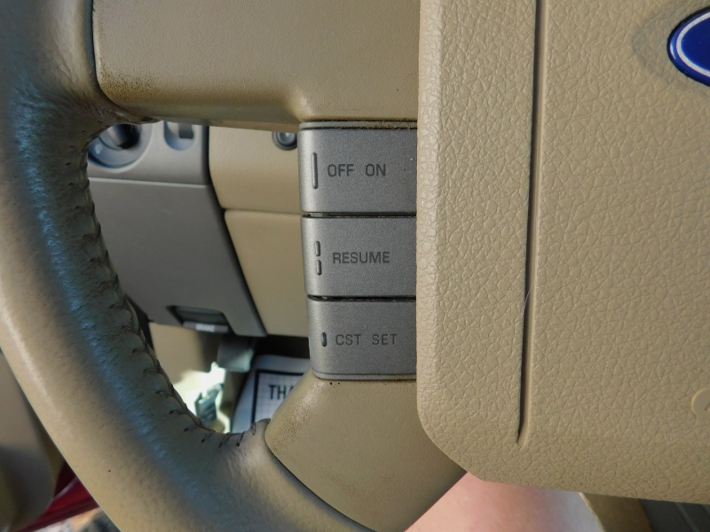 Ford F-150 SuperCrew 2WD Lariat 2007 price $9,000