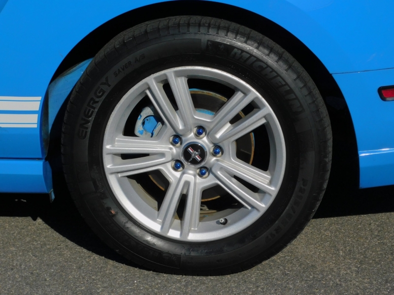 Ford Mustang 2013 price $14,500