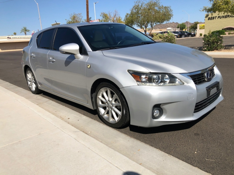 Lexus CT 200h 2011 price $11,400