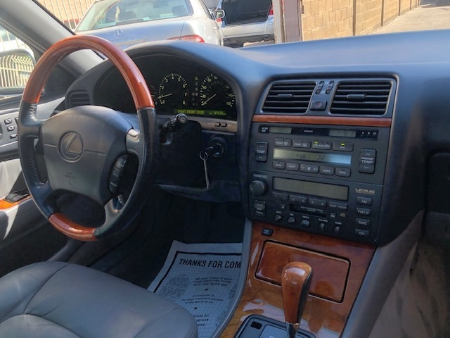 Lexus LS 400 1999 price $5,000