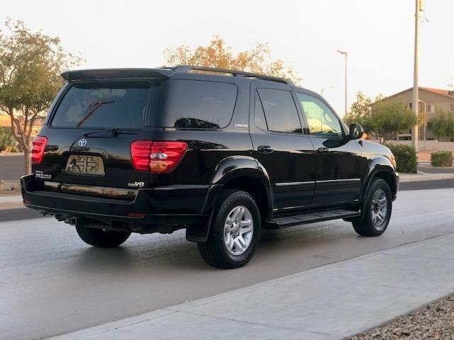 Toyota Sequoia 2004 price $7,950