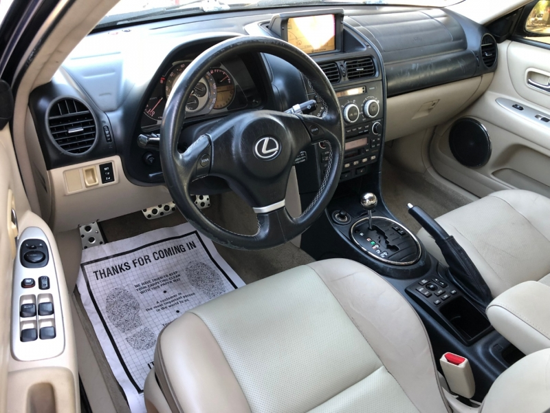 Lexus IS 300 2004 price $5,750