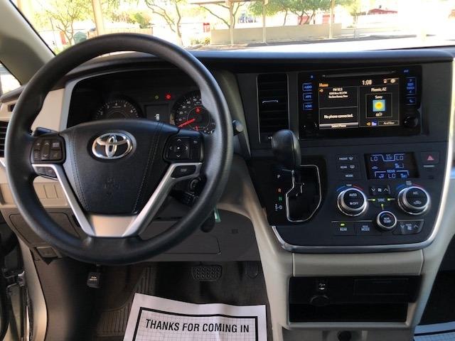 Toyota Sienna 2015 price $16,500