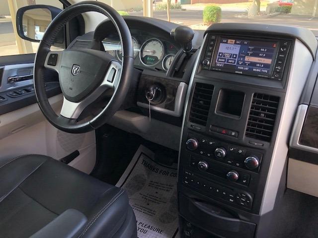 Dodge Grand Caravan 2009 price $6,900