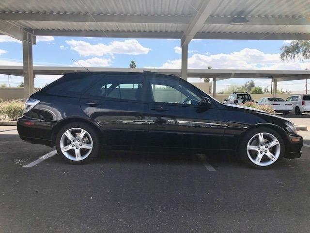 Lexus IS 300 2005 price $13,500