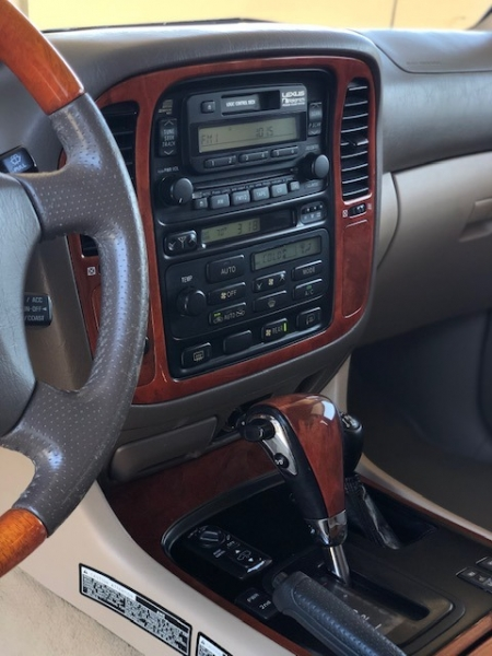 Lexus LX 470 2000 price $14,900