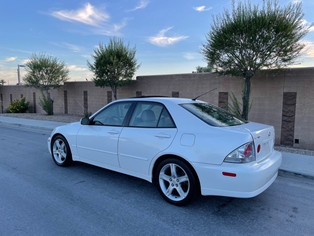 Lexus IS 300 2004 price $7,495