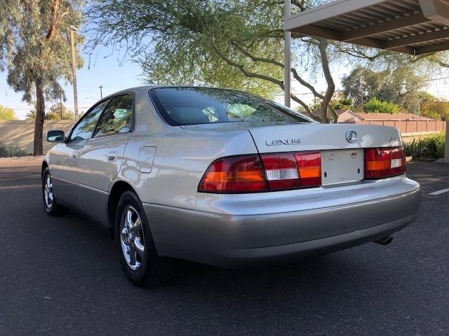 Lexus ES 300 1999 price $6,950
