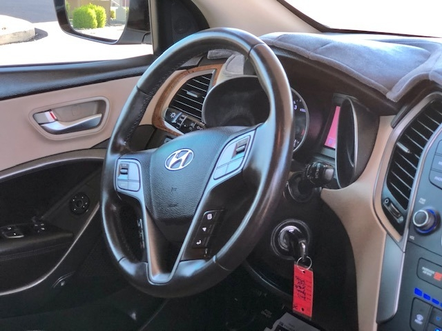 Hyundai Santa Fe 2013 price $15,900
