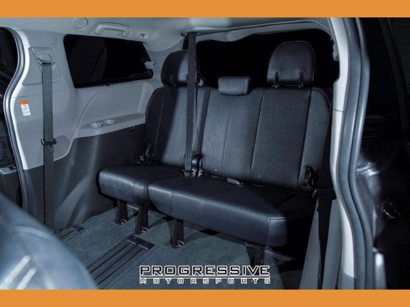 Toyota Sienna 2015 price $14,980