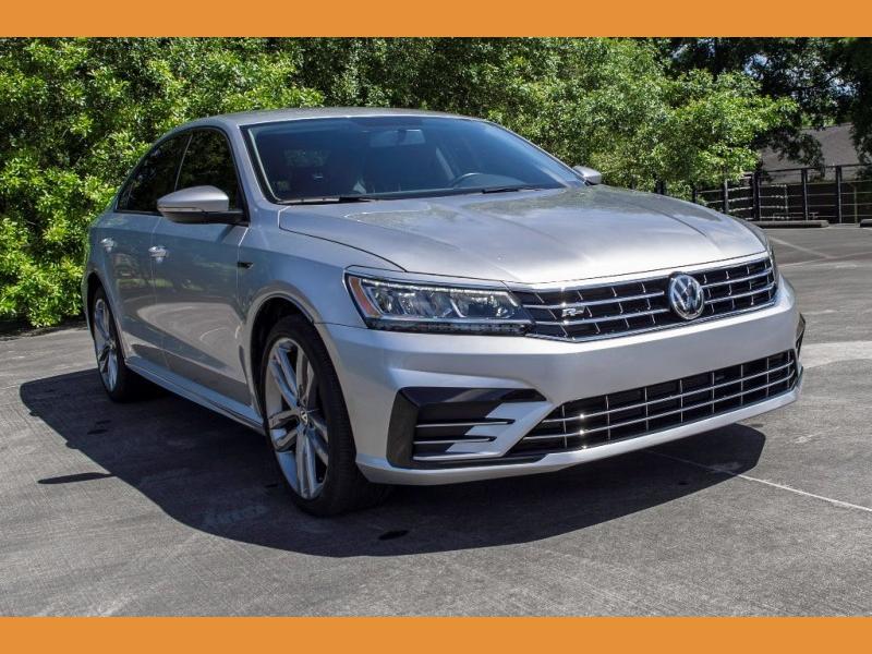 Volkswagen Passat 2018 price $15,980