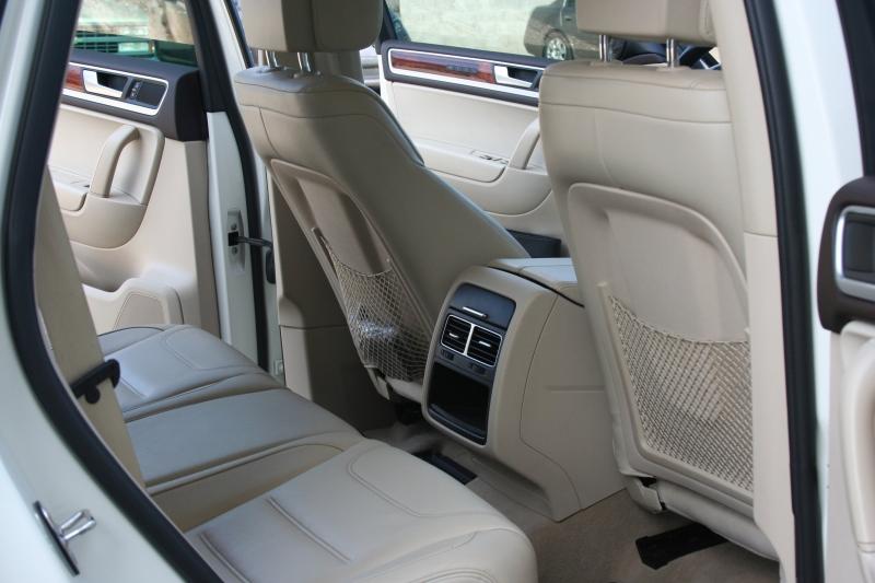 Volkswagen Touareg 2011 price