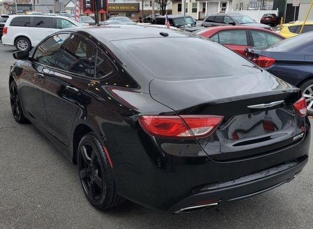 Chrysler 200 2015 price $10,495