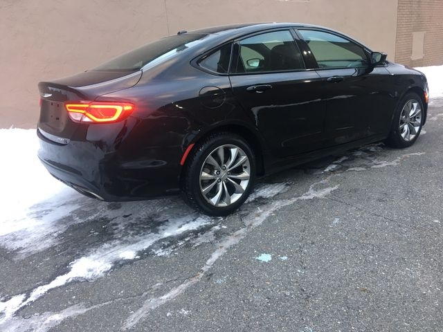 Chrysler 200 2015 price $9,950