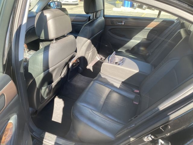 Hyundai Genesis 2009 price $10,950