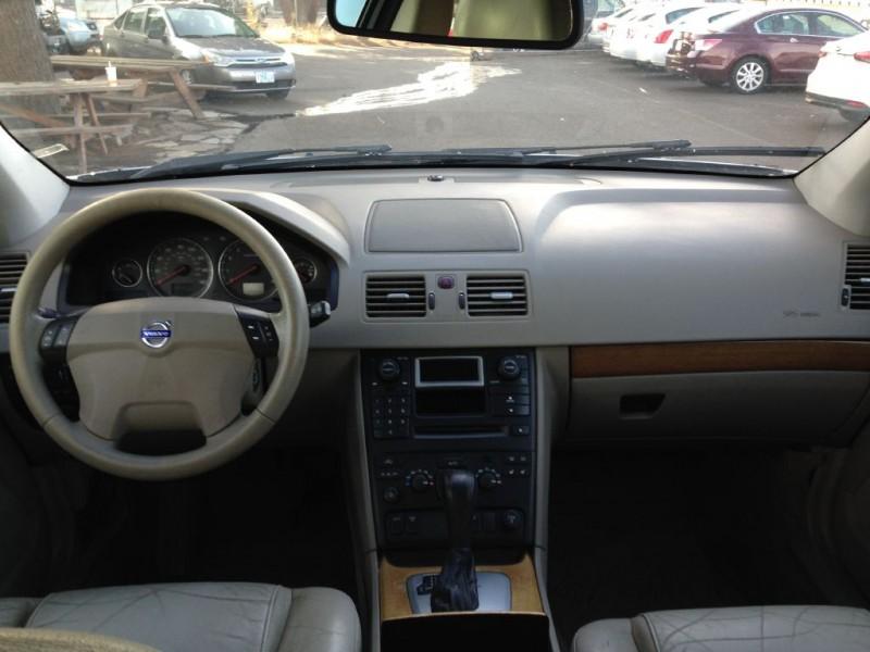 VOLVO XC90 2005 price $4,995