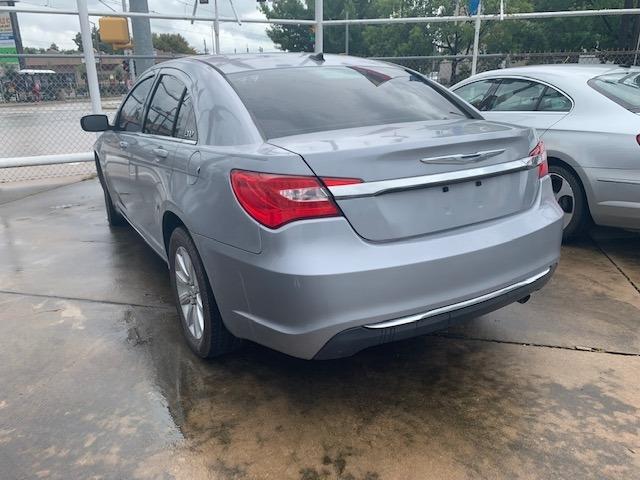 Chrysler 200-Series 2014 price $6,900