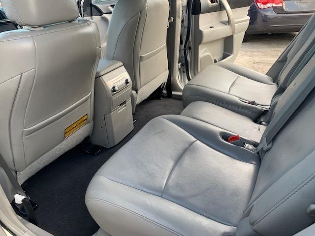 Toyota Highlander 2013 price $12,900