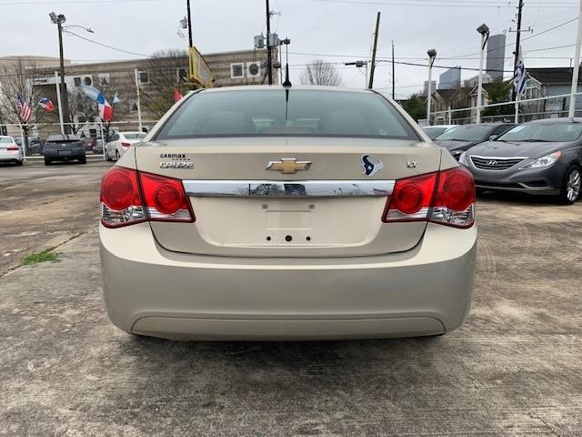 Chevrolet Cruze 2012 price $4,200
