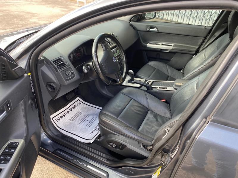 Volvo S 40 2010 price $3,999